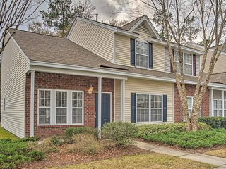 Peaceful Charleston Area Townhome- Mins from City!