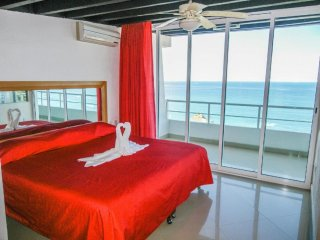 Stunning views from our PH , Beautiful condo in romantic zone,one block to beach