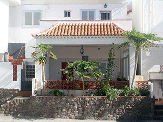 Casa Canaria junto al mar en el sur de Tenerife