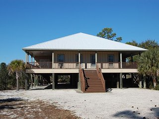 Family Tides: Gorgeous 3BR/2BA beach house located in Orange Beach, AL