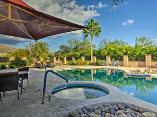 Townhome in Tucson w/Mtn View, Patio & Pool Access