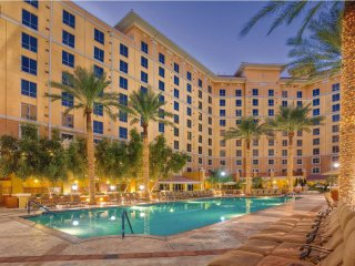 Las Vegas, NV: 1BR w/WiFi, Pool, Theater, Free Shuttle, 1 Mi. From Vegas Strip