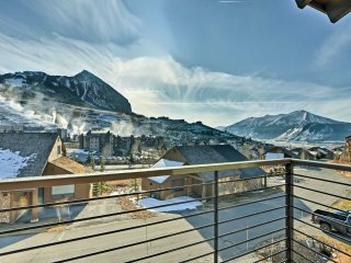 NEW! 4BR Crested Butte Townhome Steps to the Lifts