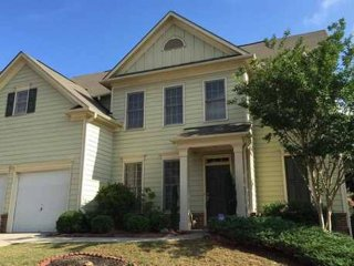Beautiful Home In Marietta With Theater! Close To Shopping & Highways