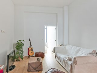 Apartment travels and wandering in Bruxelles (Ixelles) - W224
