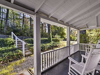 NEW! Cozy, Wooded 2BR Saluda 'Blackberry Cottage'