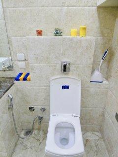 21 - Modern & Comfortable Toilet Seat