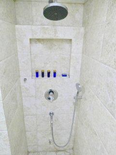 23 - Shower Area