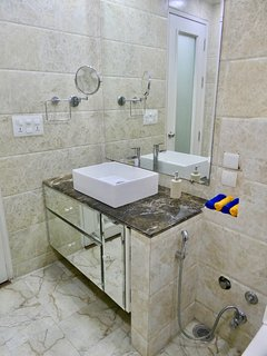 25 - Hand Wash Area (Shaving Mirror, Hand Wash Soap & Face Towels)