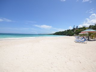 BEACHFRONT! FULLY STAFFED! GATED COMMUNITY! Ebb Tide, Silver Sands 4BR