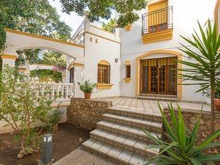 Casa Duende en lujosa villa con piscina
