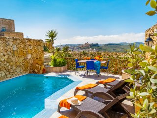 Ta' David - Private pool, stunning views