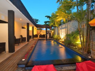Legian bed and breakfast Deluxe Room &  Free return Airport transfer