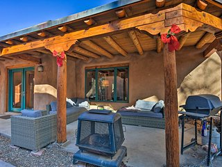 NEW! 3BR Taos 'Villa de Suenos' - Shuttle to Ski!