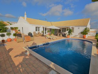Casita Branca - Three Bedroom Villa with Private Pool