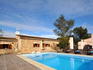 Villla 6 pax en el corazon de Mallorca, pisicina privada, TV Sat, Wifi & AACC!!!