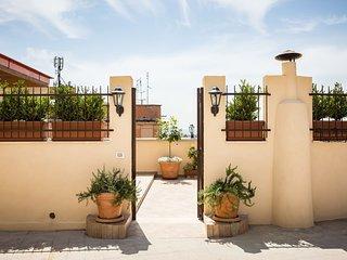 Sunny penthouse nel cuore di Roma