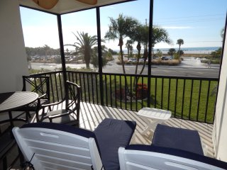 Just steps to top rated Siesta Key Beach, full sea view from spacious lanai