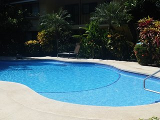 2 Bedroom Condo - One block to the Beach