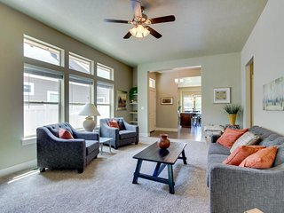 Lovely townhouse w/ huge kitchen; close to downtown Boise!