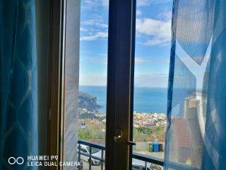 Amalfi Coast Gorgeous Apartment with Seaview | 4 sleeps | Kitchen | Bathroom