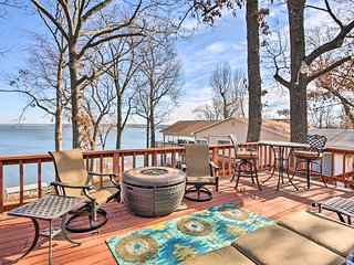 NEW! 2BR Disney Home on Grand Lake w/Fishing Dock!