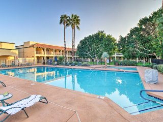 NEW! 2BR Scottsdale Condo w/Balcony & Pool Access!