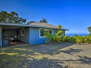 'Holualoa Hale' Home w/Ocean Views - 5 Mi to Kona!