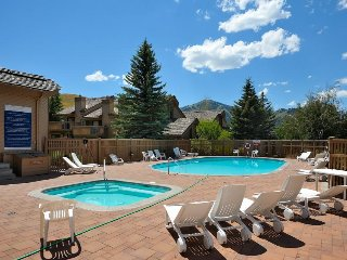 Ski-in / ski-out from this condo w/ shared pool & hot tub, plus resort passes