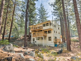 Remodeled House w/Hot Tub - 2 Miles to Lake Tahoe!