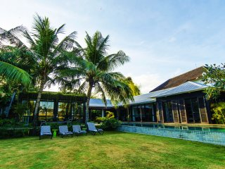 Spacious, High Standing Villa with rice field view