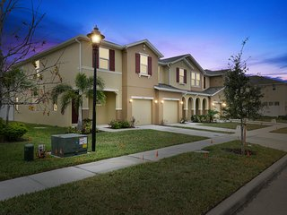 Family Friendly 4 Bedrooms close to Disney in Orlando Area 5128K