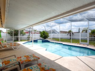 3108AD. Amazing 3 Bedroom 2 Bath Pool Home with Spa