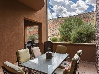One of the Nicest Suites in St. George! 3 Bed Suite w/ Pools & Amenities!