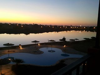 Amazing pool and lagoon view 2br apartment El Gouna
