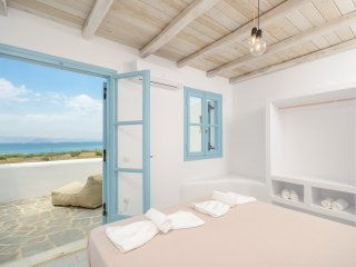 Depis bay villas Plaka Naxos /2 villas/ 5 bedrooms/ 6 bathrooms for 16 persons