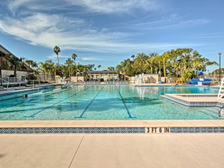 Cape Coral Home 1 Mile From Yacht Club!