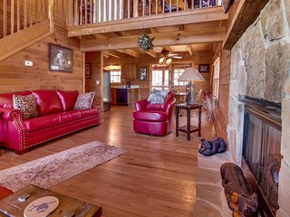 Family-friendly getaway w/ private hot tub, shared pool, & views of the Smokies