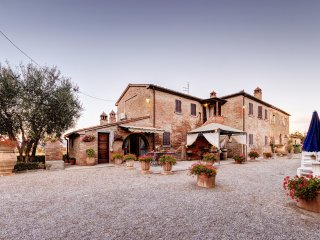 5 bedroom Villa in Fratticciola, Tuscany, Italy - 5472526