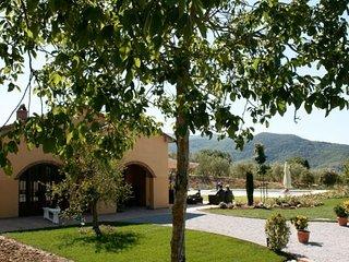 3 bedroom Villa in Castiglion Fiorentino, Tuscany, Italy : ref 5472419
