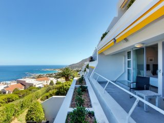 2 bedroom Apartment in Camps Bay, Province of the Western Cape, South Africa