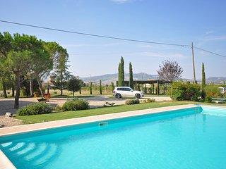 Gallina Villa Sleeps 8 with Pool - 5241663