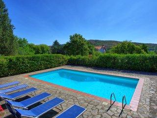 Ambra Villa Sleeps 8 with Pool and WiFi - 5241650