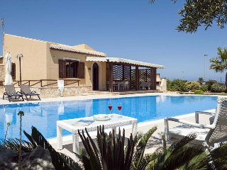 3 bedroom Villa in Custonaci, Sicily, Italy : ref 5240611