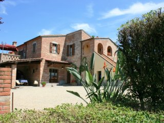 3 bedroom Villa in La Querce, Tuscany, Italy : ref 5239678
