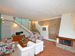 3 bedroom Apartment in Cennina, Tuscany, Italy : ref 5240479