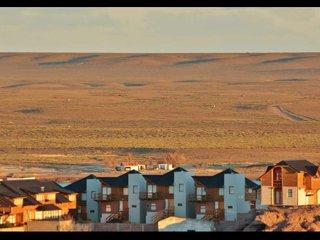 Complejo de cabañas céntricas con excelente vista a la Ria Deseado.