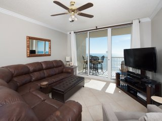 Beach Club Condo w/ amenities