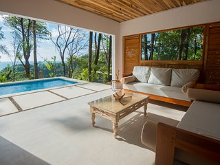 Villa Makai Luxury Vacation Home in Santa Teresa