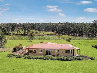 Villa Siena - Hunter Valley Accommodation